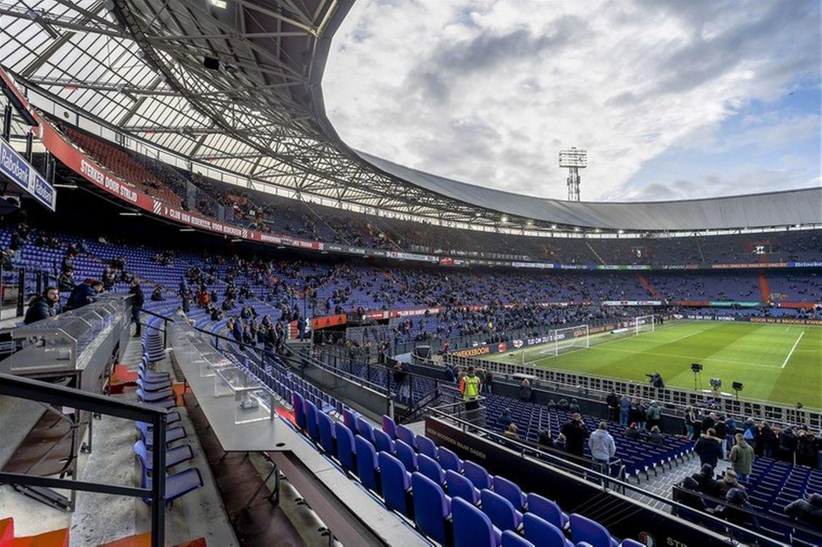 de-enorme-impact-van-van-persie-de-kuip-bij-meest-passievolle-stadions