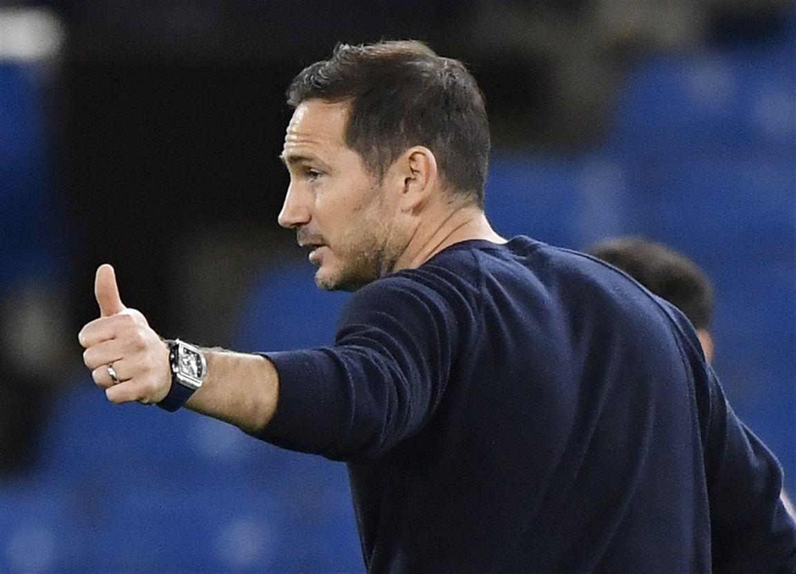 Lampard verdedigt curieus besluit: 'Geen seconde getwijfeld om Cech in te schrijven'