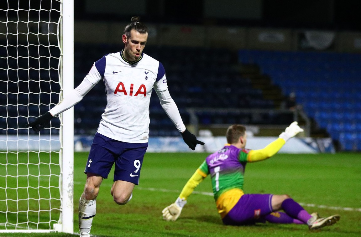 Door Mourinho geprikkelde Bale helpt Spurs op weg na valse start