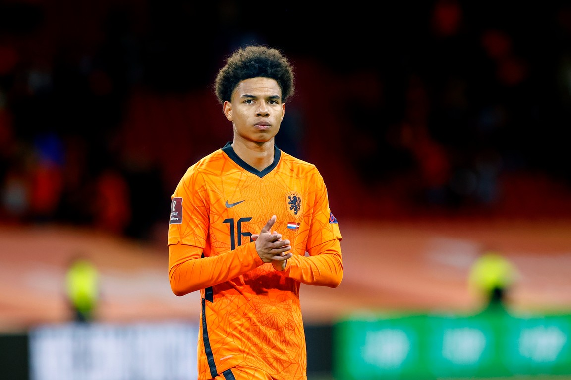 AZ-trainer Jansen begrijpt absentie Stengs in Oranje-selectie wel