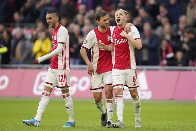 Kleurplaten Voetbal Gent.Alles Over Voetbal Voetbal International