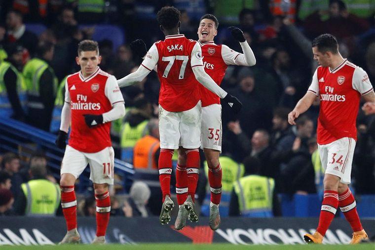 Tiental Arsenal doet Chelsea op miraculeuze wijze pijn